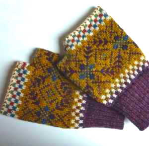 Star Flame fingerless mittens